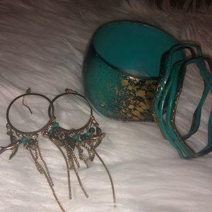 Jewelry - Teal and gold accessories